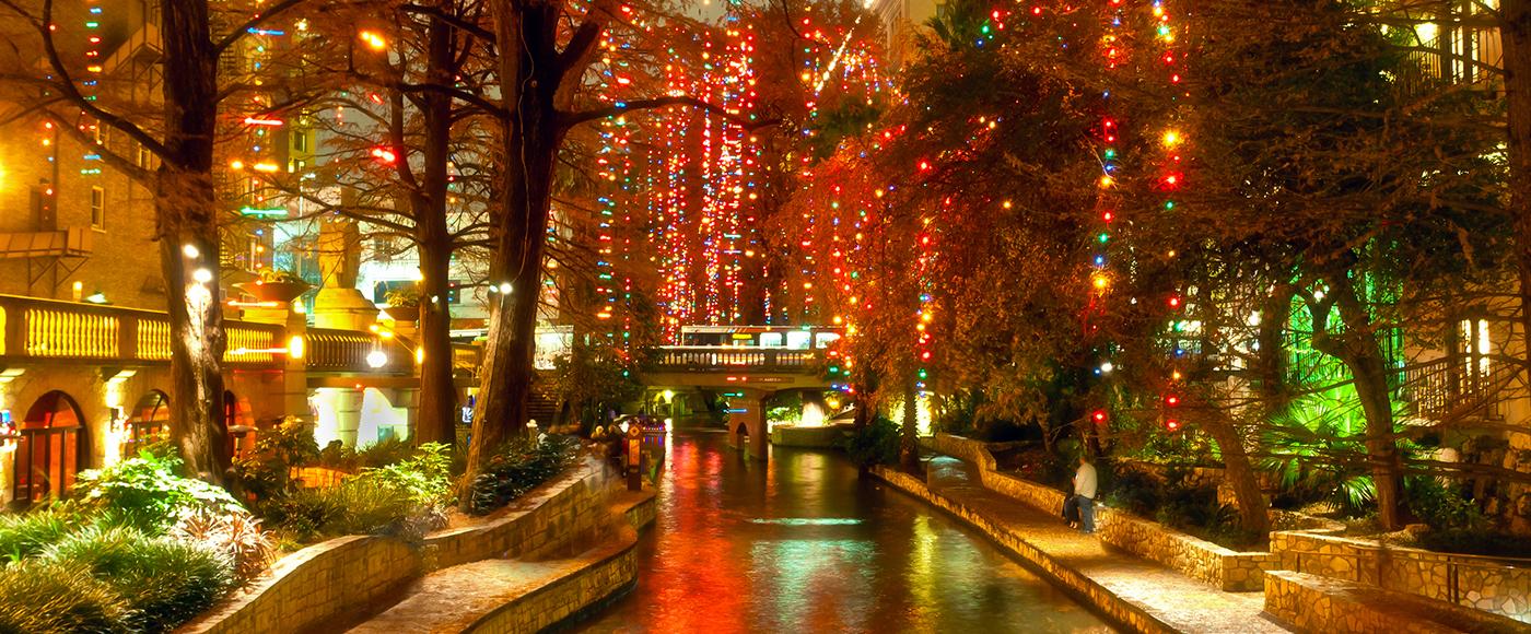 Riverwalk San Antonio Christmas.San Antonio Fiesta Holiday